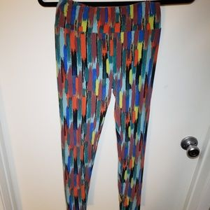 LulaRoe Leggings in fun print